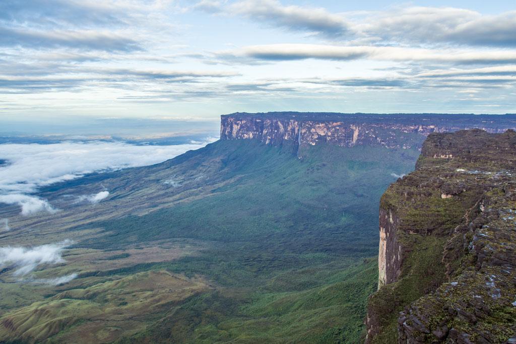 O Monte Kukenán do alto do Maverick, ponto mais alto do Monte Roraima