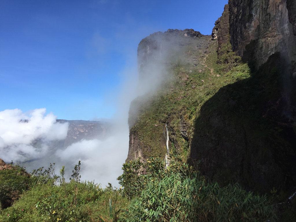 O passo das Lágrimas é a última subida antes de chegar ao topo do Monte Roraima. Nessa foto estávamos descendo pois no dia da subida estava tudo nublado