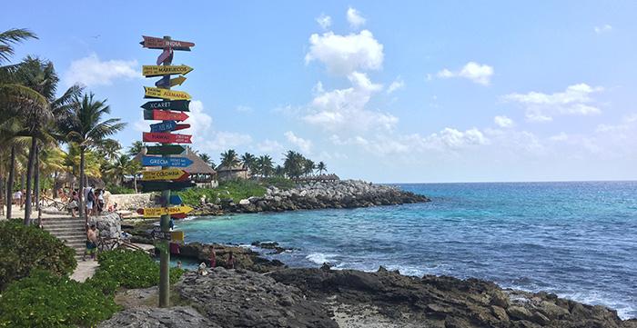 Áreas de praias e redes para descansar e aproveitar o dia