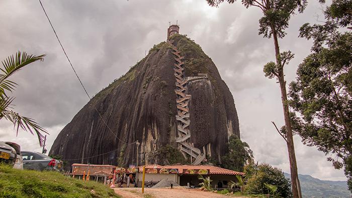 Pedra El Peñol, em Guatape, Colombia