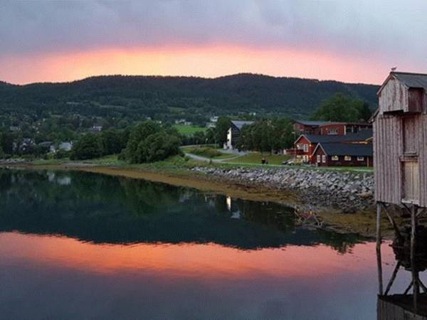 Tingvoll Fjordhotell
