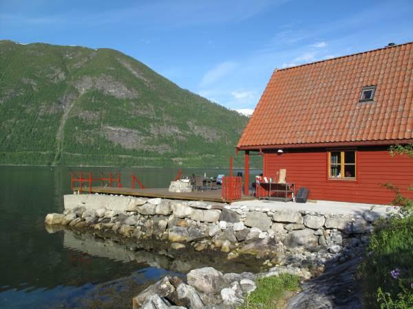 Menes Fjordhytter