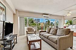 Waikiki Shore 416