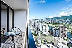 Waikiki Banyan 3603