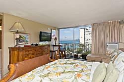 Diamond Head Beach Hotel 1103