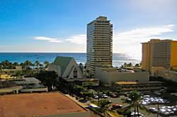 Waikiki Banyan 1213-1