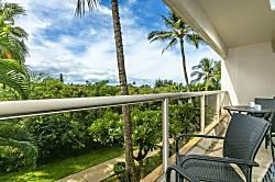 Maui Banyan H205