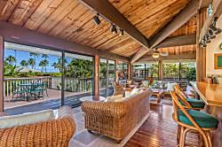 Paulele Beach House