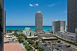 Waikiki Banyan 1214-I