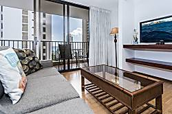Waikiki Banyan Ocean 1 BDR on 15th Floor