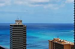Waikiki Banyan 2906