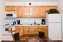 Waikiki Banyan Tower 2 Suite 806