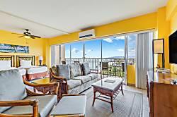 Waikiki Shore 1008