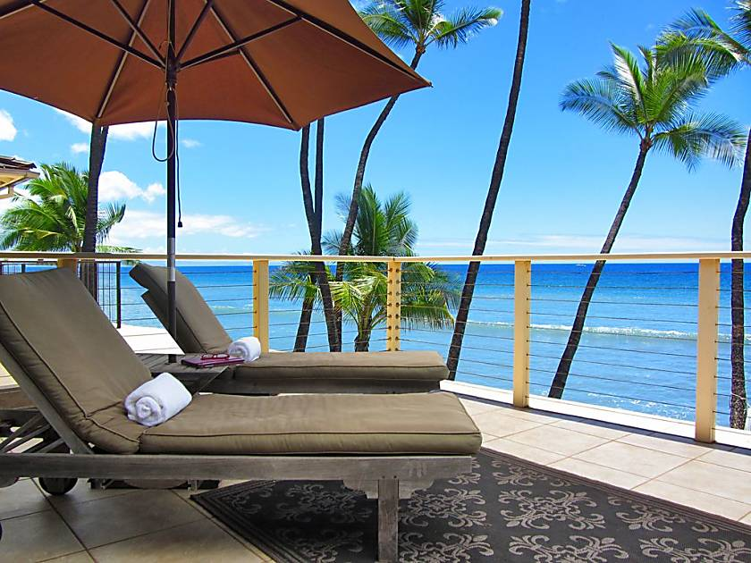 Gorgeous Puamana Oceanfront