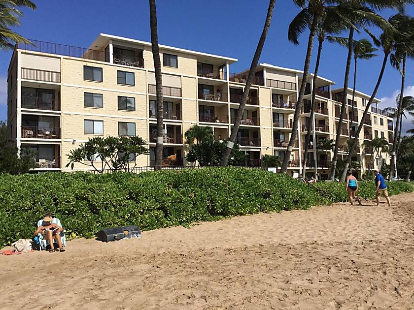 Mac's Luau - Waterfront Condo
