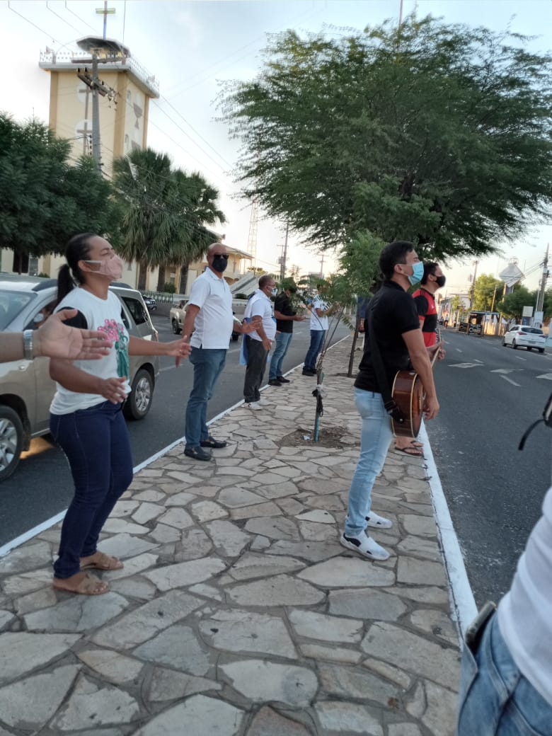 foto-congregacional de patos e ad renascer se unem em oração pelos enfermos-14