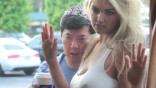 gq_ken-jeong-kate-upton-photobomb-video