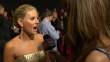 glamour_behind-the-scenes-on-the-ama-red-carpet