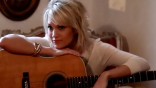 glamour_Behind-the-Scenes-at-Carrie-Underwood-s-June-2012-Glamour-Cover-Shoot