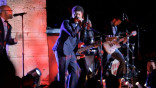 vogue_exclusive-music-video-bruno-mars-and-vittorio-grigolo-perform-at-the-met