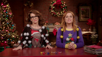 Glamour Cover Shoots - Genius Gift Ideas With Tina Fey and Amy Poehler: Presents for People You Don't Know Well