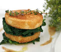 Rotselleritartelette med spenat (vegetarisk lätt måltid)