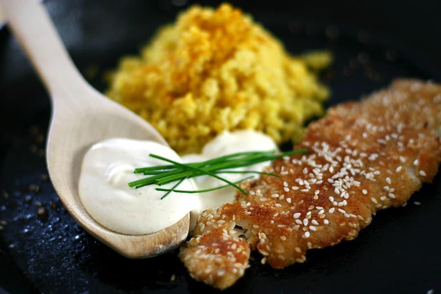 Sesamkolja med kaviarcrème och bulgur