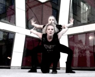 Frida & Ida #<DanceType:0x00564b67d90fe0> Vogue