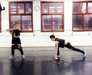 DJ & Leon #<DanceType:0x0055e9a49eeab0> Hip-Hop