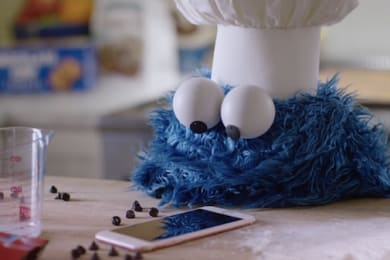 Cookie Monster's Apple Ad 2 - The Out-take [VIDEO]