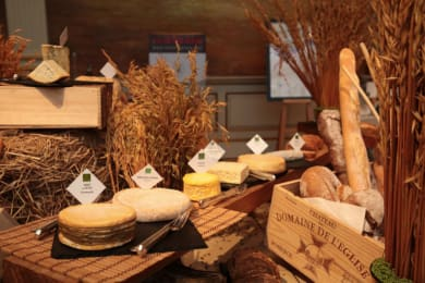 World-Class Cheese Market Arrives at Grand Hyatt Steakhouse