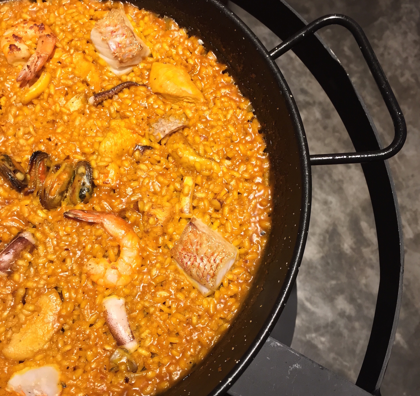 Abanda(Paella with peeled seafood)