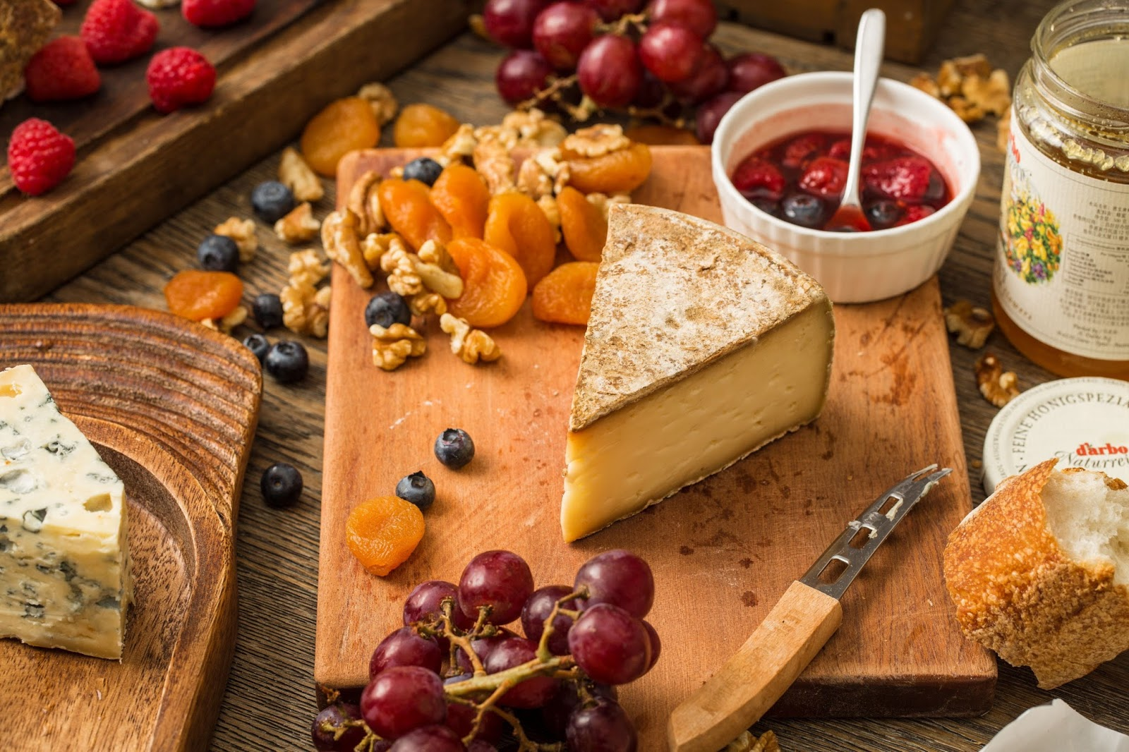 Plat du Jour, cheese board, apricot, dried fruit, party
