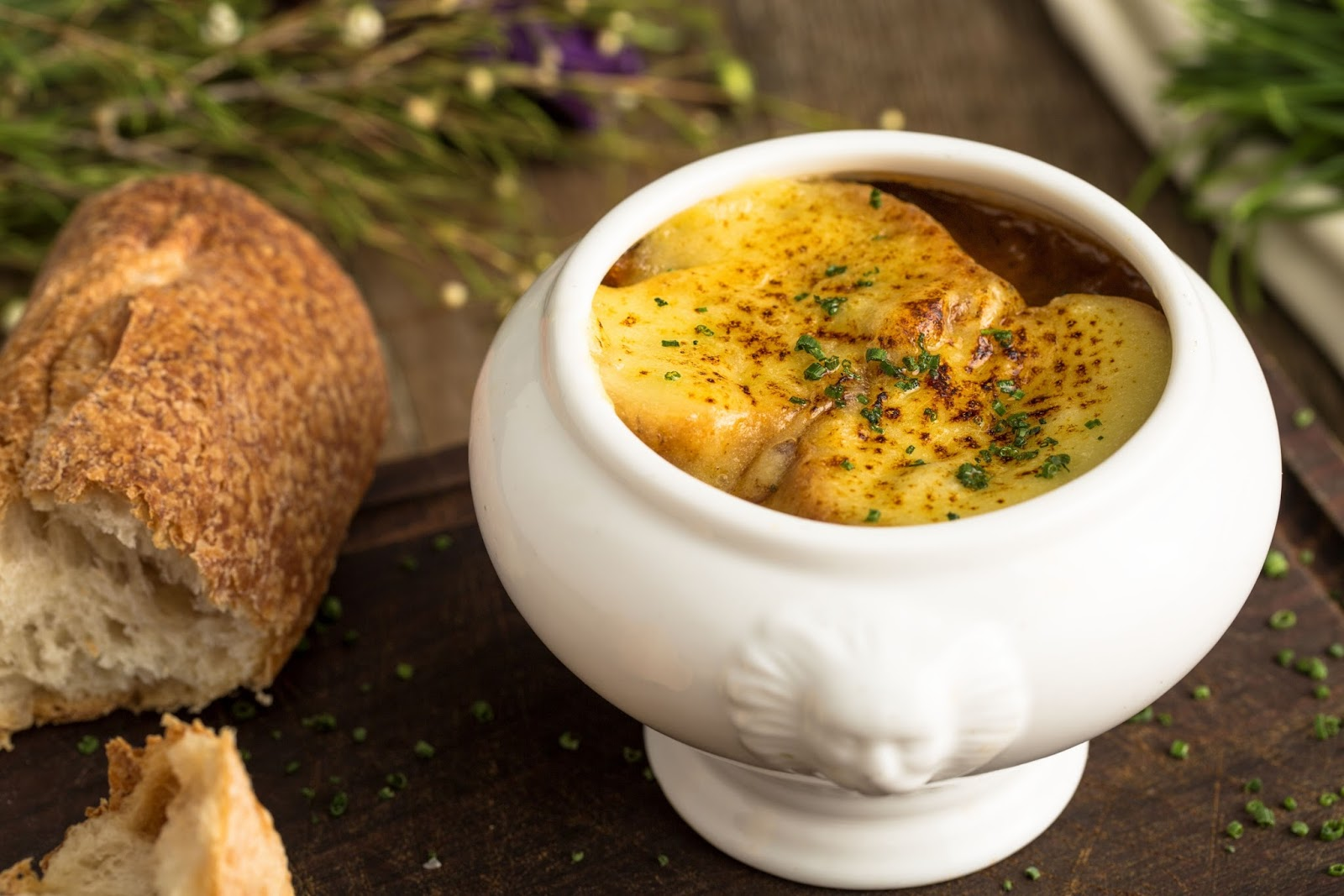 Plat du Jour, french onion soup, onion soup, french, melted cheese, french baguette