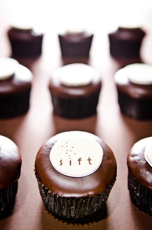 sift dessert cupcake