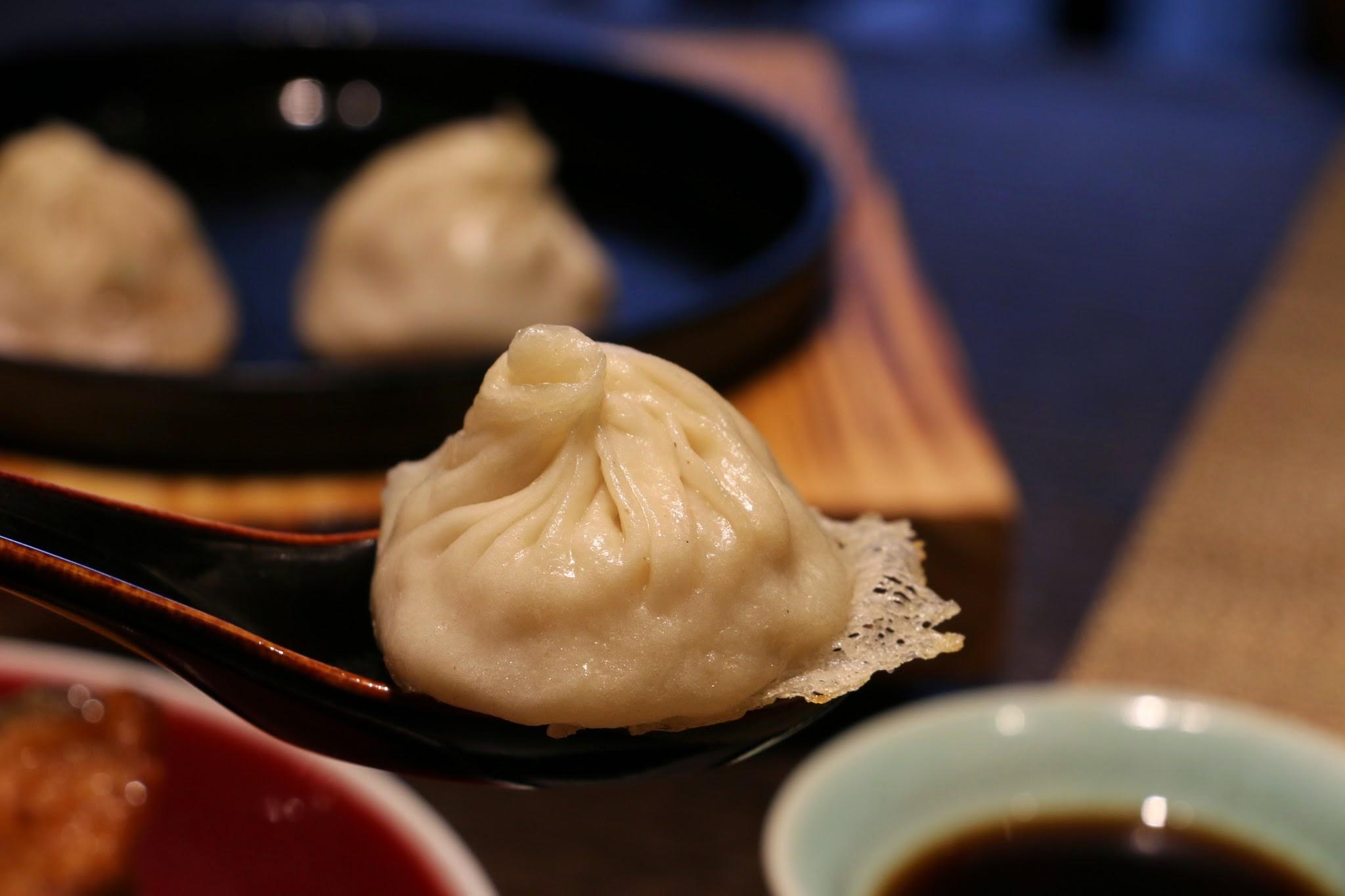 家上海,脆煎灌湯小籠包