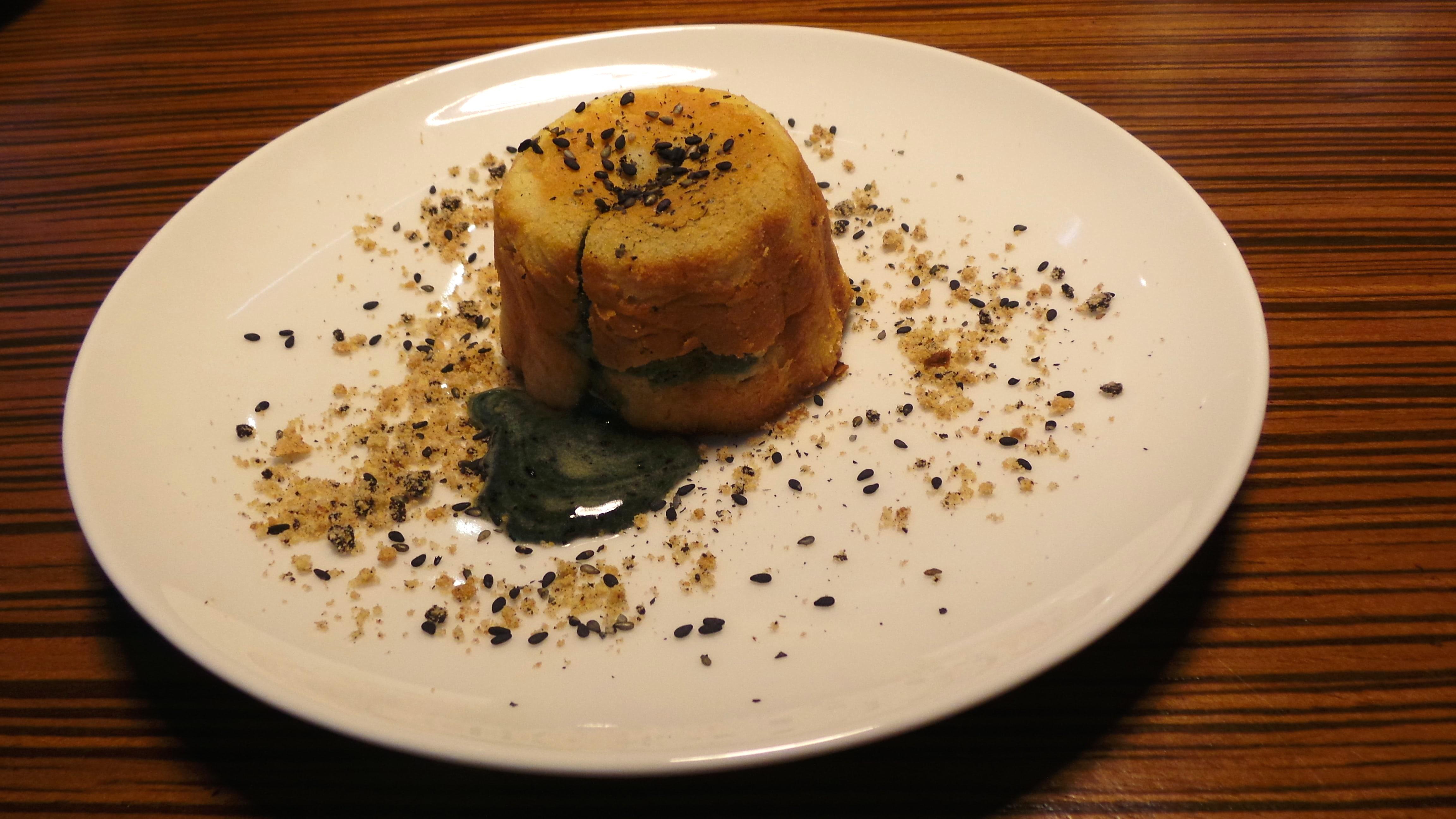 Kasa-style molten sesame custard lava cake