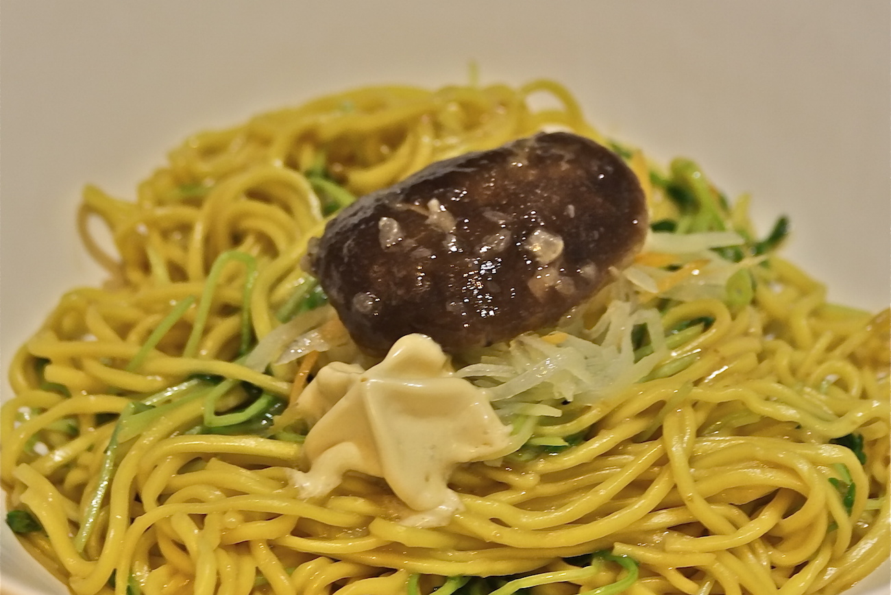 Tossed noodles at Maureens Hong Kong