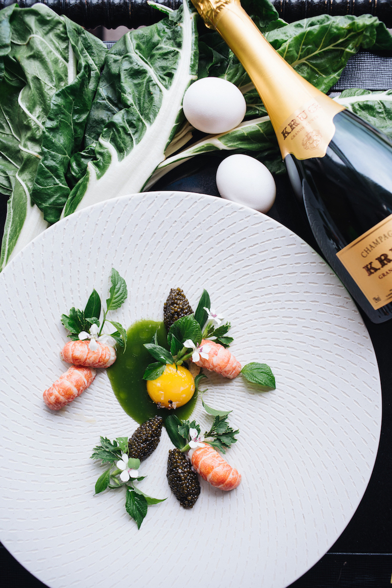 Image: Perfect Egg, Crayfish from Lake Leman / Caviar Cristal, Broth with Herbs
