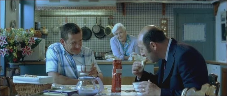 """Maroilles and coffee - Picture from """"Bienvenue chez les ch'tis"""" movie"""