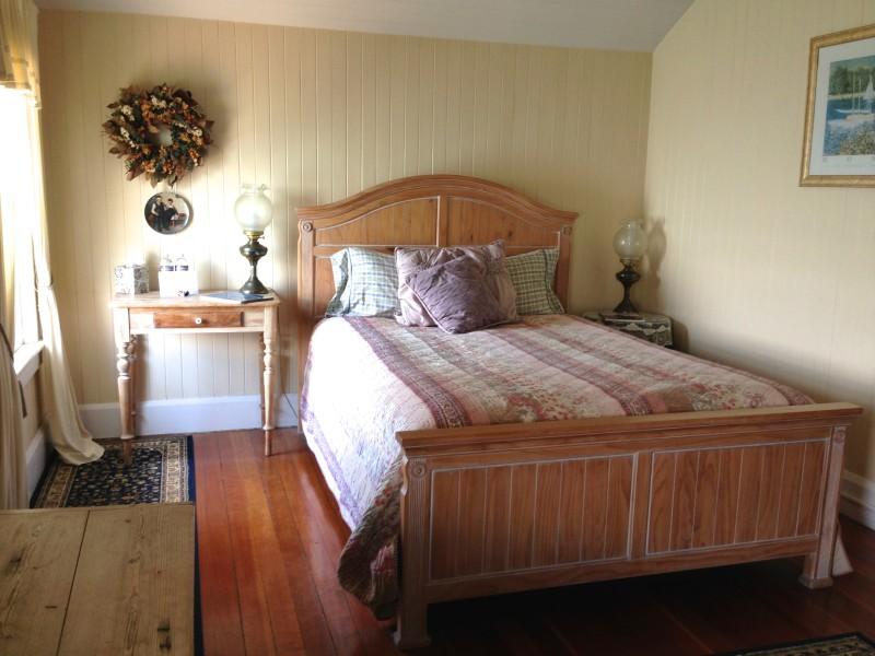 CHL #951  East Brother Light Station - Inn Bedroom