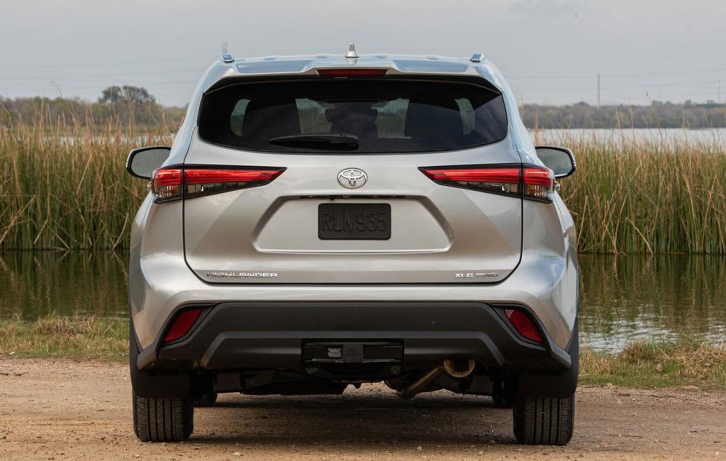 Toyota highlander rear view