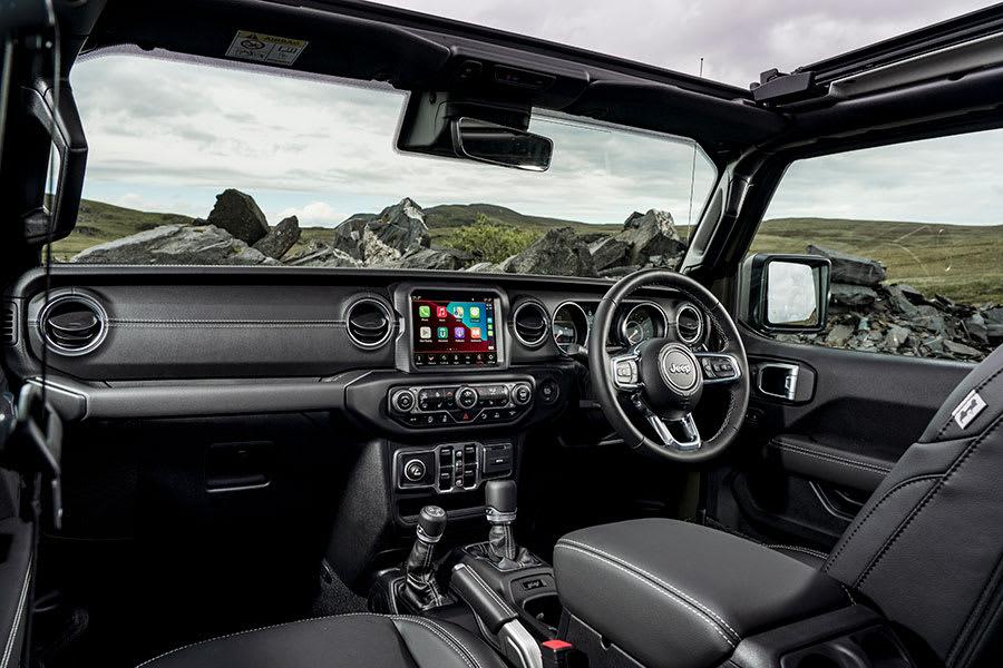 New-Jeep-Wrangler-interior