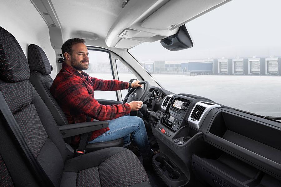 New Vauxhall Movano-e 3