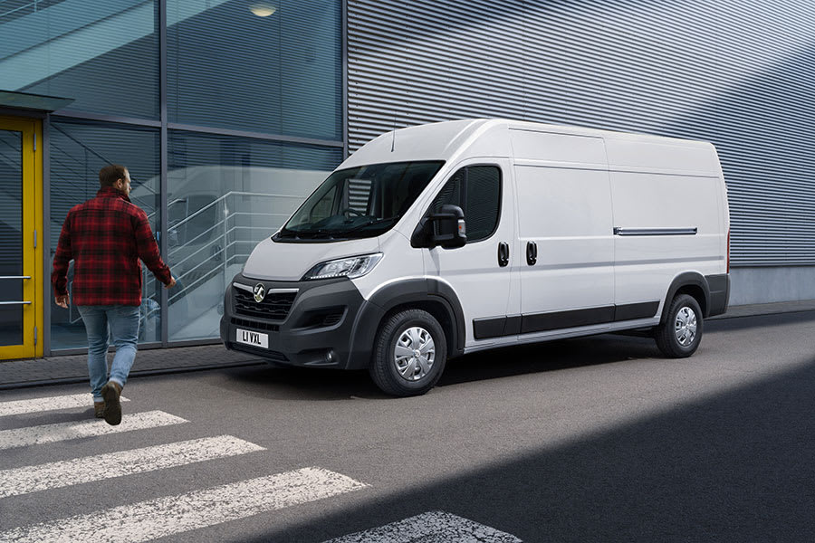 New Vauxhall Movano-e 4