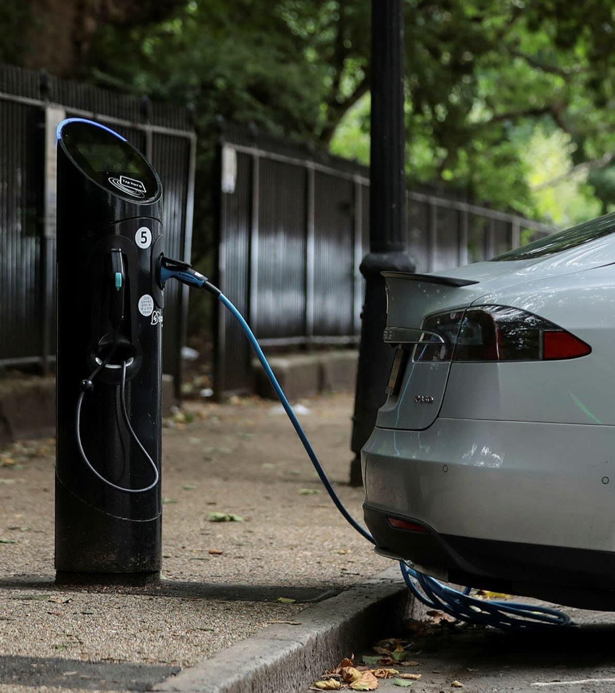 EV street charging
