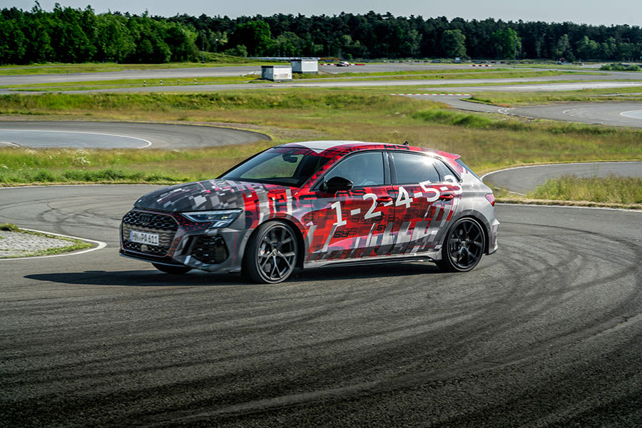 Audi RS 3 Side view skidding