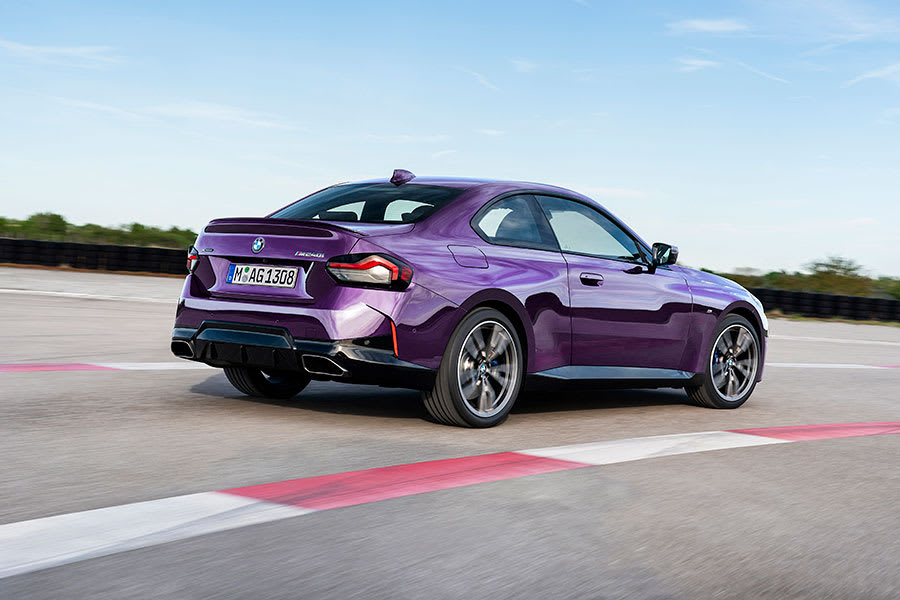 New BMW 2 Series Coupe Side angle 2