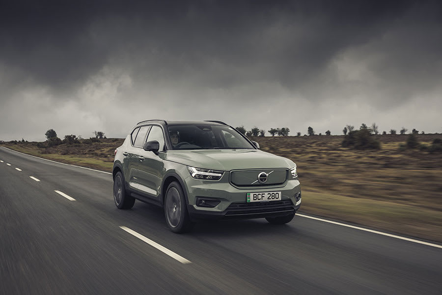 Volvo XC40 Recharge new trim front view moving
