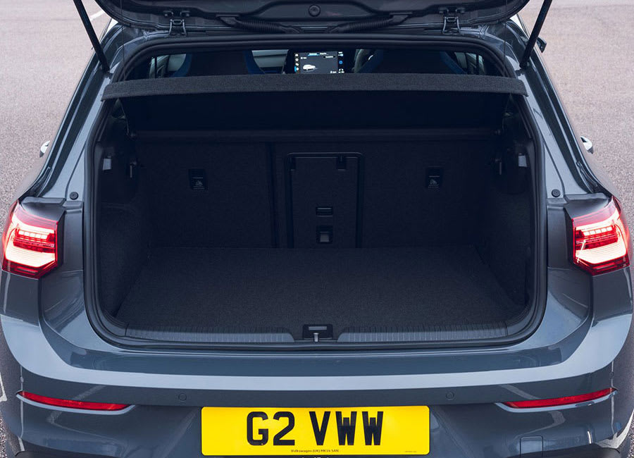 VW Golf GTE boot space